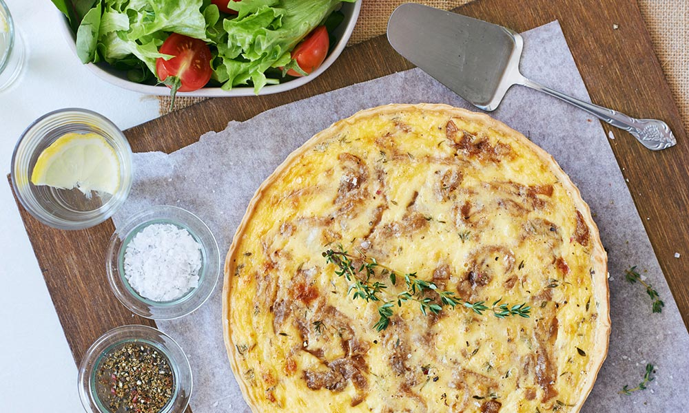 Caramelized Onion Quiche with Maple Syrup, Déjeuners et brunchs